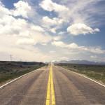 電柱、高速道路、信号機は英語で何という?・・・道路関係の英単語